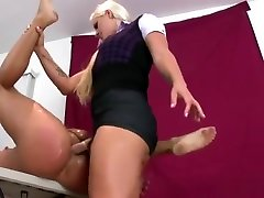 Girls Fuck Men Anus With Monster Strapons And Blast Cream