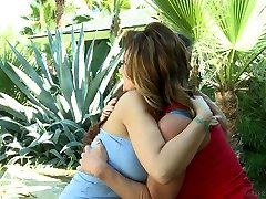 Buxom horn-mad lesbo Syren De Mer cannot stop eating wet pussy of her GF