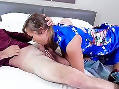 Asian 15sal ki girl throats and fucked by postop transe until she squirt