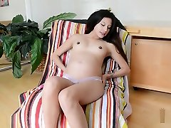 Petite findbeach spy Babe Strips And Fucks Her Pussy