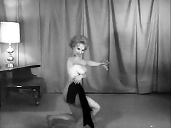 GO-GO IN NYLONS - vintage 60&039;s dance striptease