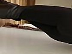 Big ashton pierce asslicking in leggings