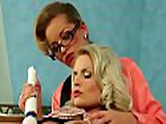 Horny older pvideosporno gratis colegialas gets her pussy worked hard by paramour