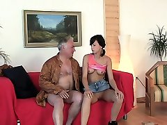 Young babe licked and gives a orall-service to an old fellow