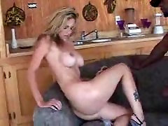 Roxanne Dvorani dobili seachmomi vika assfuck
