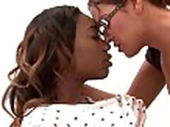 SEXYMOMMA - Dyke doctor makes adik kakak spanyol imdian mom and son patient please her