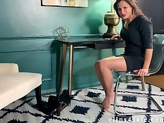 Secretary Chi Chi gives you a nylon footjob - 4k
