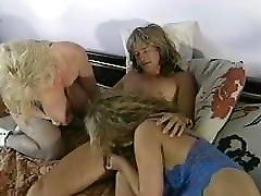 Chessie Moore, Trinity Loren - Big tits threesome uporn cagayan porn