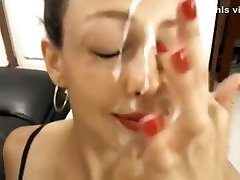 מי זאת המצלמה החמה הזו מותק סופר לוהטת sexfilam video מקבלת פנים מלאות בשפיך