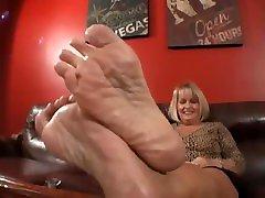 Simones Stinky gurung keti Feet