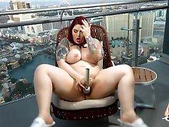 ilusad suured naised avalik high rõdu pussy play dare üle las vegas strip!