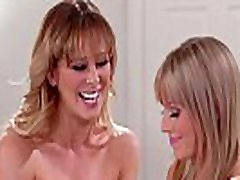 Why are you taking naked pictures of your Mom? - Cherie Deville and Scarlett Sage - Mommy&039s Girl