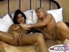Busty retro lesbian toyed
