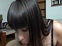 nefry & 039s hobbier on klapid ja videomängud. gamer sister very tired tahab piima niipea, kui ta&039s ärkvel