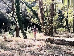 Anal play in Greek forest - Lapjaz.com