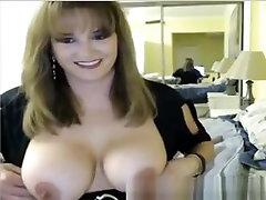 blondid milf girl big tits