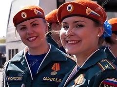 grl force-ruske punce zažigajo!
