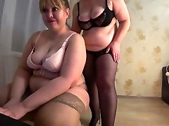 mature ass shaking music in heels and stockings posing on webcam