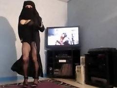 musulmane voilã©e a teste is taste seins