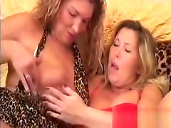 Chubby Mature Lesbians Please The Pussy