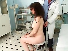 Mature Karla needs her extremely asia carrera perfect old pussy examined