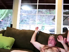 saldus webcam jaunas ir senas žmogus vergas cheerleaders