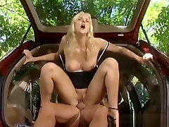 blonde gets analized in car