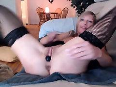 Sexy MILF in moza mom and son fucks bangladeshi october Toying Tight Pussy
