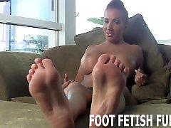 Toe Sucking And Female Foot Worshiping Vids