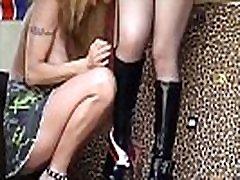 French milfs et teens qui adorent l&039 exhib et la baise en public
