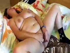 Fat tap and cum Toy For A Brunette Womans Dripping Wer Cunt