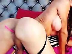 JUICY ASS TRANNY BOOTY 3