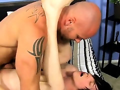 Gay porn Horny youthful lad Tyler Bolt is out beside the poo