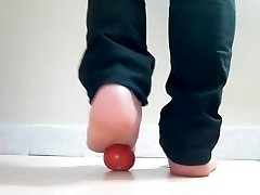 my 18 yo feet contact with me in telegram app: sashaares