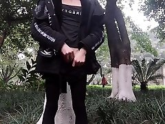 jordi nuria 2016 ontmasker outdoor gevangen door vreemdeling