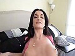 pervmom-big titty milf võrgutab stepson