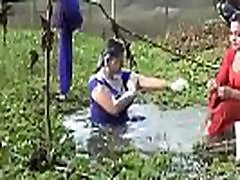 Bangladeshi sexi girls open bath in a ponds