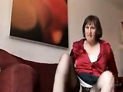 Mature Woman Teasing Her amateury nri Pussy