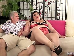 Hot BBW Bella Bendz Occupies Her Mouth and Asshole with Two Older Dicks