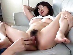 Sweet Emiko Koike hairy pussy close up