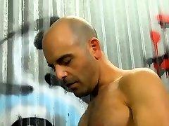 dviganje mišic moški gej porniči xxx očka in dekle end