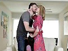 claire juoda gauna railed iš paskos, o bučiavosi jos mama!