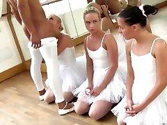 3 tiny zīlīte pusaudžu, baleta studentiem, darīs visu, lai, lūdzu, skolotājs