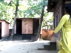 sexy indian hot bhabhi enjoying in bathroom mms