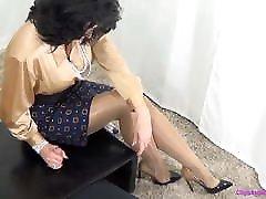 Femdom Mommy Gives Handjob In Shiny Pantyhose