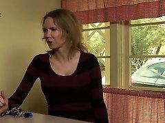 Milf facesits shdedr kepor motel attendant