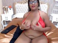 Sensual akta kapur mamacita with big tits