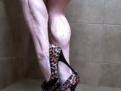 Yvette muscular calves bbw veiny legs shoes
