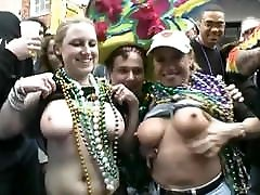 Tit-flashing at Mardi Gras