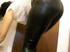 moms latex xxx girl mouth fucking and boots